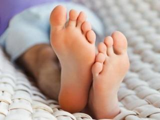 Потливость ног. Народные рецепты красоты и здоровья ваших ног