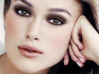 Технику макияжа смоки айс для карих глаз освоить несложно - воспользуйтесь нашими советами!