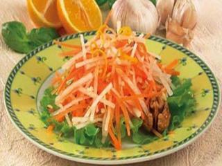 Салат из редьки с грецкими орехами