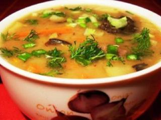 Летний грибной суп с черносливом