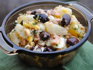 Салат из фасоли с сельдереем