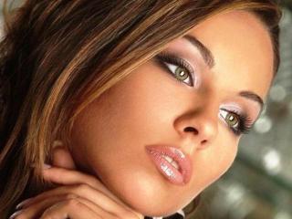 Пошаговое фото красивого макияжа глаз