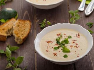 Бархатистый суп с цуккини. Летний суп