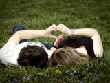 Первая любовь запоминается на всю жизнь, неважно, была ли она счастливой и взаимной, или нет.