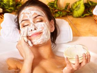 Кремы, маски и лечебные ванны для ухода за жирной кожей