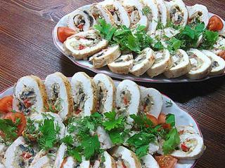 Если вы ищете рецепт какого-нибудь оригинального, не надоевшего блюда, то вспомните про рулетики из курицы с разными начинками!