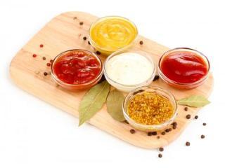 Вкусные соусы: приготовление молочного и сметано-томатного соуса