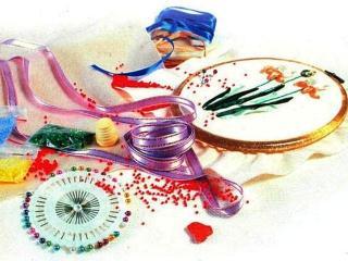 Вышивка лентами: подарочный мешочек «Алые розы»