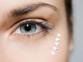 Уход за областью вокруг глаз. Женские секреты красоты