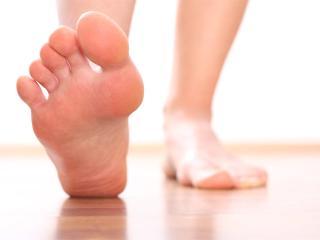 Народные средства от потливости ног как избавиться от плохого запаха ног
