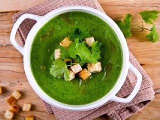Суп из крапивы со сливками.