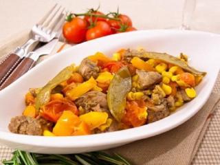 Тушеное мясо с овощами.