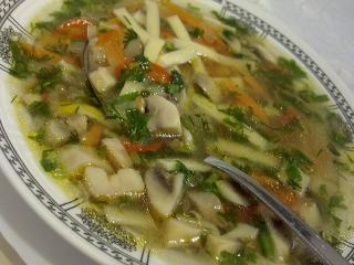 Грибной  суп с лапшой. Простой и быстрый рецепт грибного супа. Национальная русская кухня