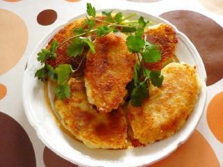 Котлеты из припущенного мяса и картофеля