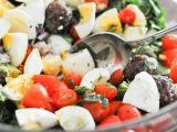 Как приготовить вкусный салат с курицей