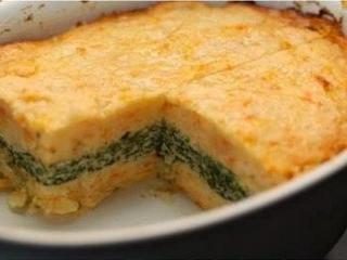 Картофельная запеканка с начинкой из зелени