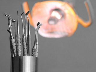 Первая помощь на даче при острой зубной боли