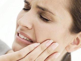 Если зуб разболелся ночью...Оказание первой помощи