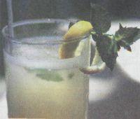 (Рецепты освежающих напитков)