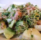 Картофельные рулетики с соленой семгой – кулинарный рецепт