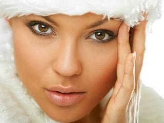 Уход за губами в морозное время: как избежать растрескивания губ зимой
