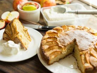 Пирог яблочный открытый. Кулинарные рецепты к Яблочному Спасу
