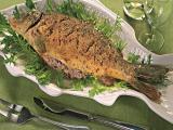 Фаршированная рыба в беконной корочке – кулинарный рецепт