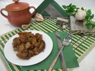 Тушеный картофель в горшочках. Рецепт с фото